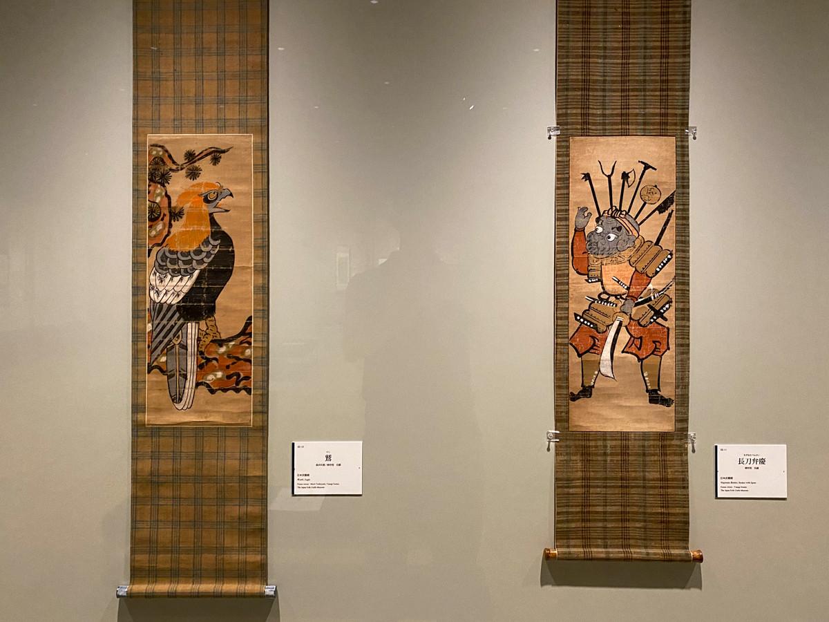 (左から)《鷲》日本民藝館蔵 / 《長刀弁慶》個人蔵