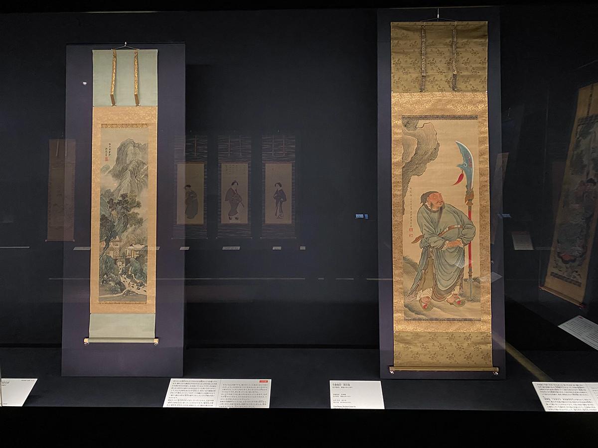 (左から)与謝蕪村《渓屋訪友図》18世紀後半 / 与謝蕪村《関帝像》明和4年(1767)