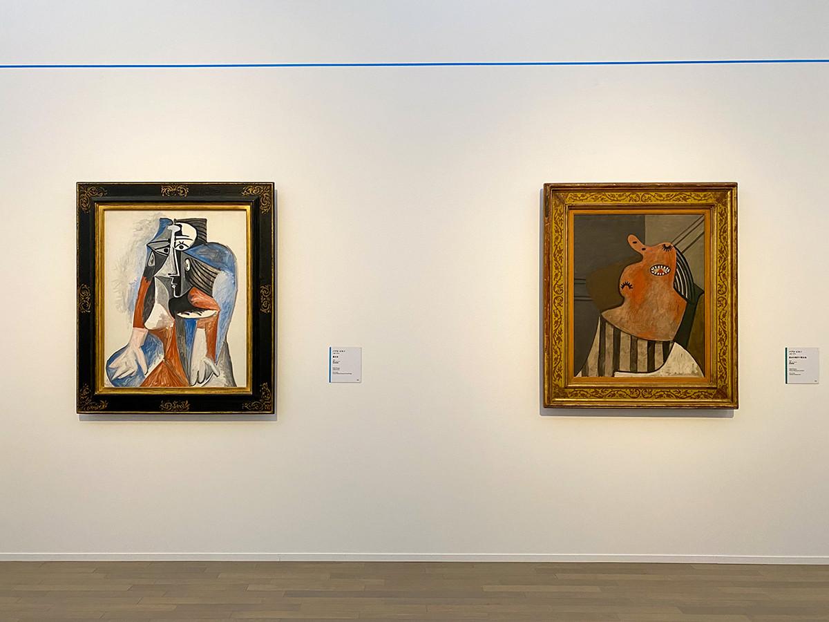 (左から)パブロ・ピカソ《座る女》1960 富山県美術館 / パブロ・ピカソ《肘かけ椅子で眠る女》1927 横浜美術館