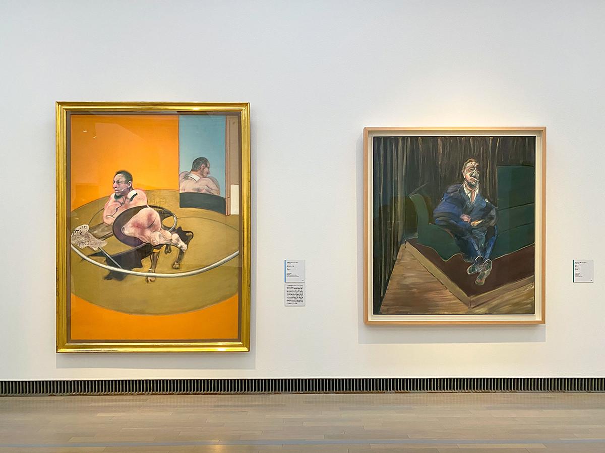 (左から)フランシス・ベーコン《横たわる人物》1977 富山県美術館 / フランシス・ベーコン《座像》1961 横浜美術館