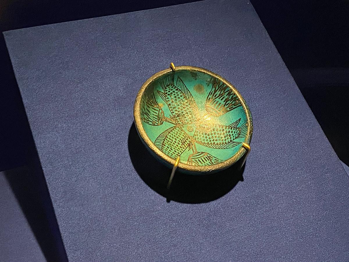 《3匹の魚とロータスを描いた浅鉢》新王国時代・第18王朝 前1450~前1400年頃