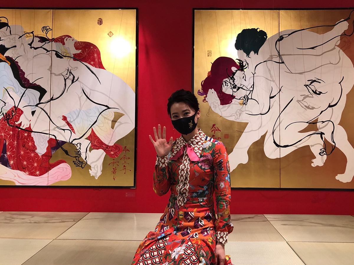 代官山T-SITE GARDEN GALLERY「春宮秘画展」会場にて書道家・紫舟氏