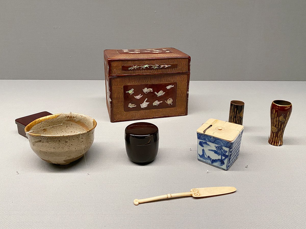 《螺鈿竹雀文籠地茶箱》江戸時代前期