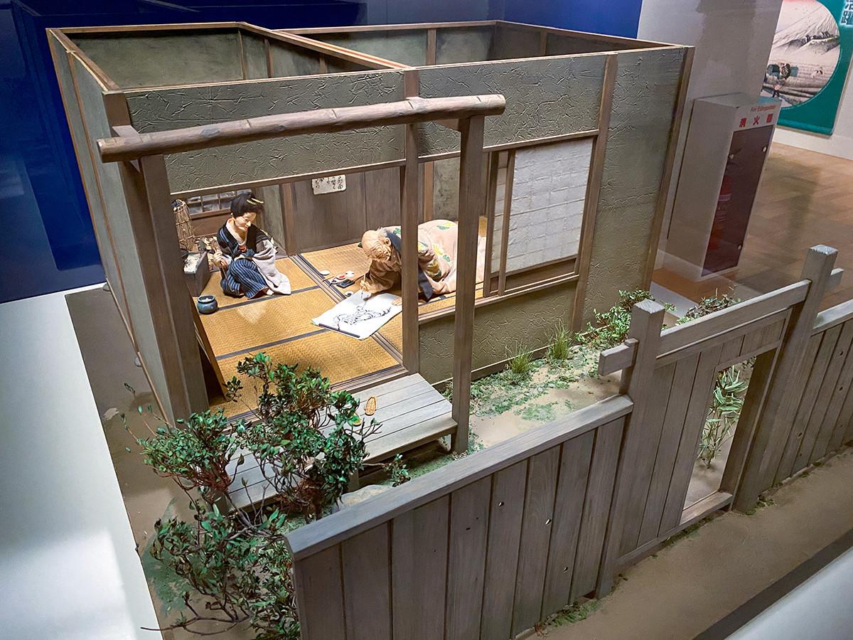 「北斎の画室模型」