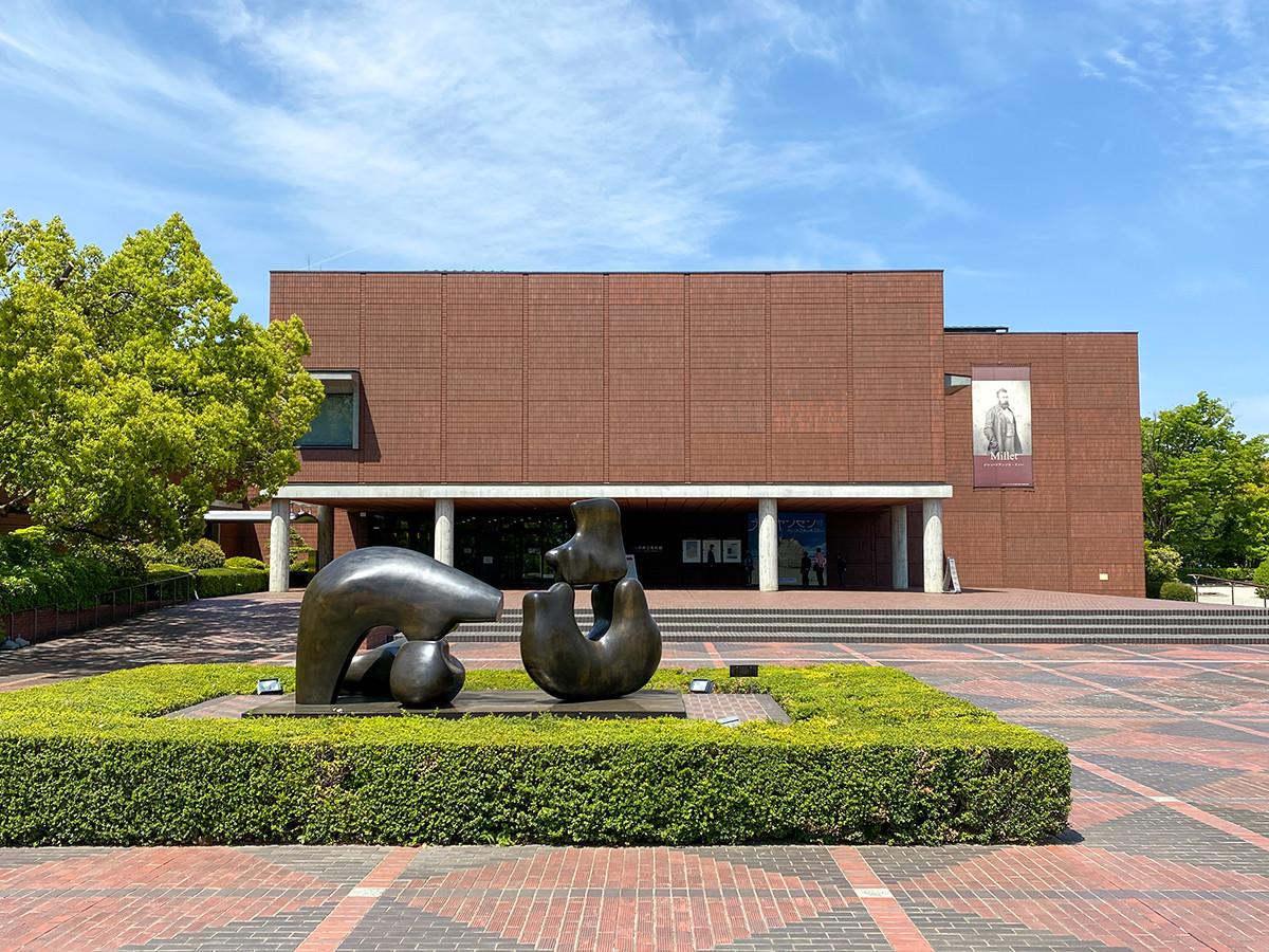 会場の山梨県立美術館