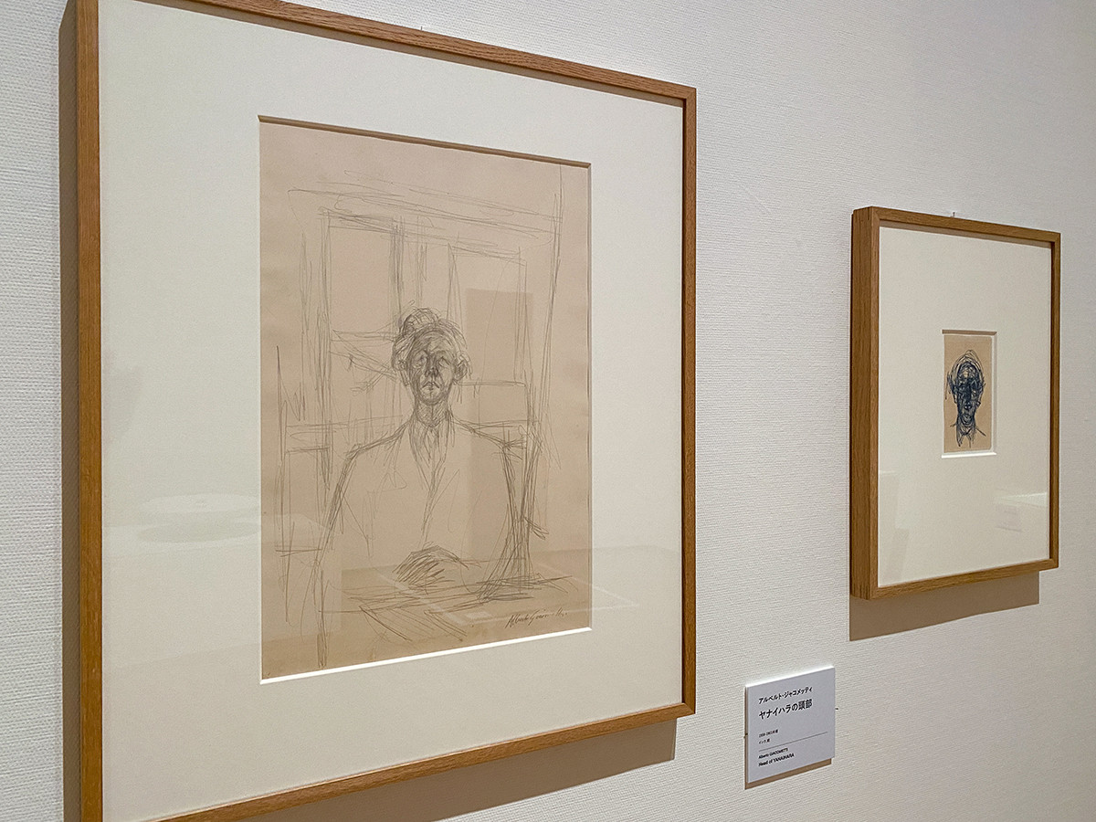 (左から)アルベルト・ジャコメッティ《イサク・ヤナイハラの肖像》1956年 / アルベルト・ジャコメッティ《ヤナイハラの頭部》1956-1961年頃