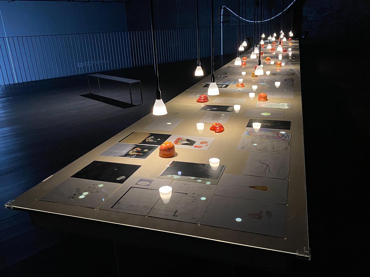開催中の展覧会「りんご宇宙―Apple Cycle / Cosmic Seed」会場風景