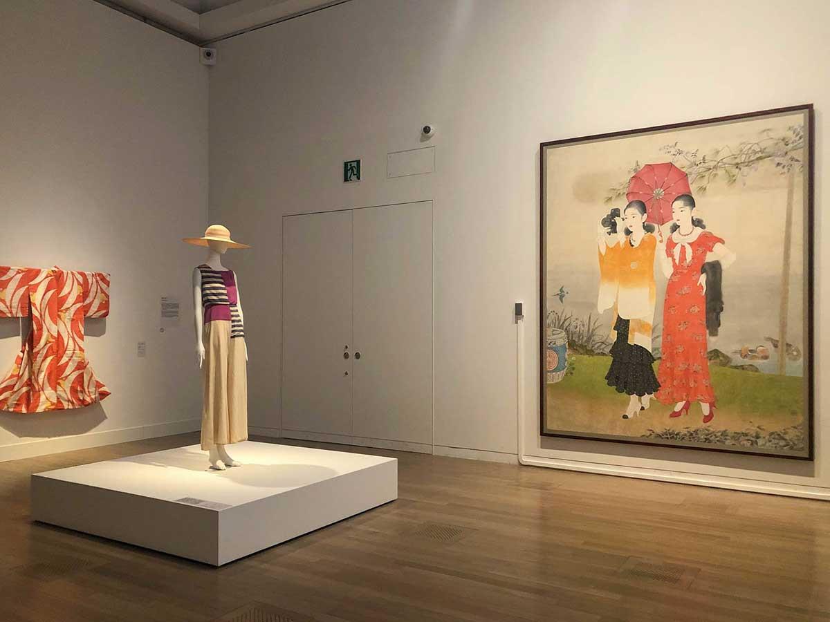 国立新美術館「ファッション イン ジャパン 1945-2020 ― 流行と社会」会場 プロローグ 戦中・戦後