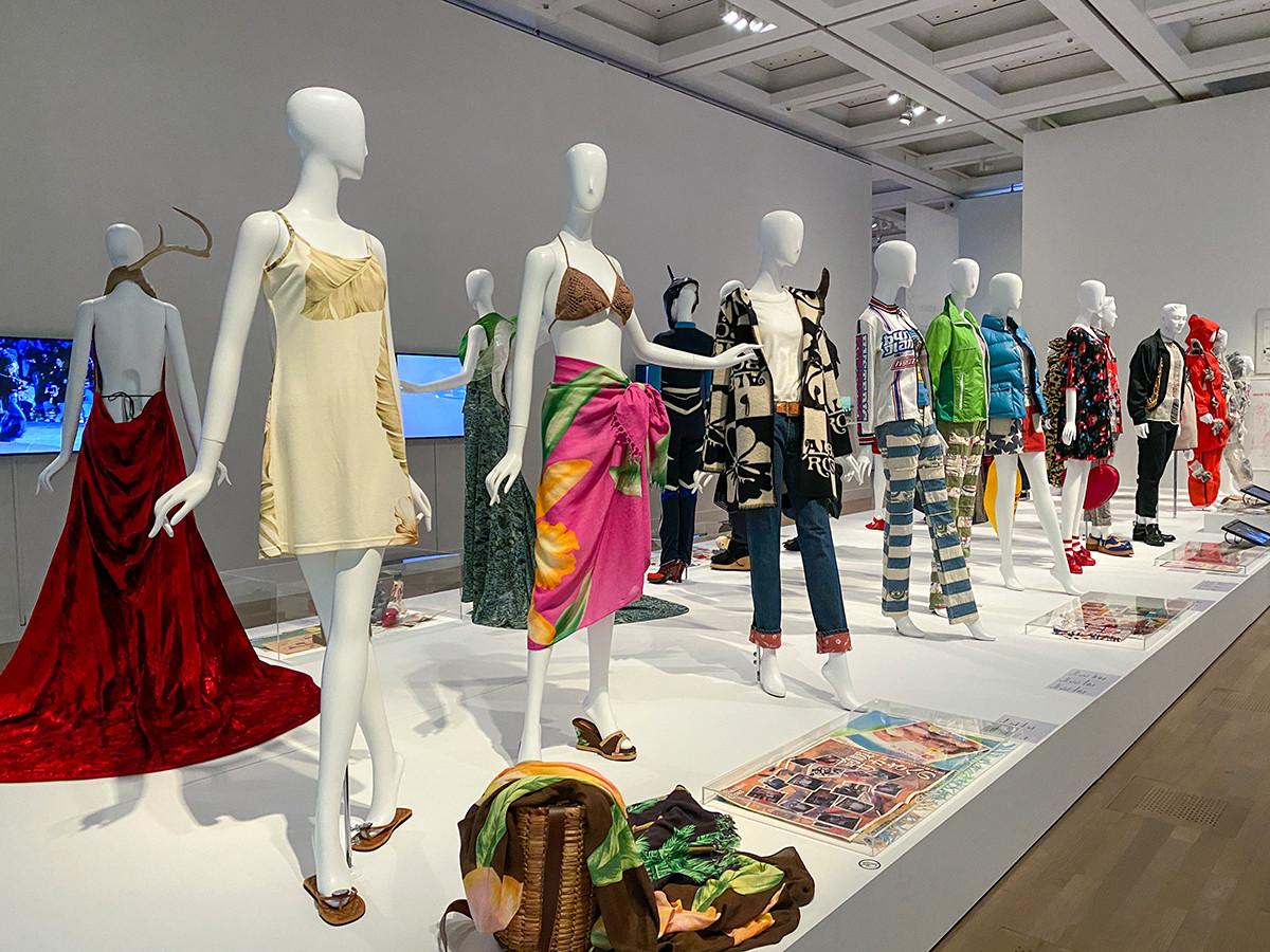 5章「1990年代 渋谷・原宿から発信された新たなファッション」