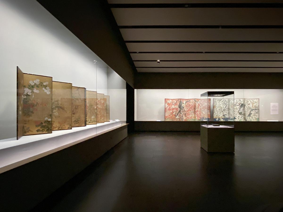 根津美術館「花を愛で、月を望む」会場
