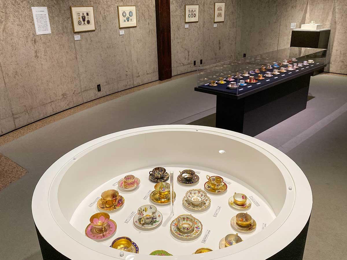 渋谷区立松濤美術館「デミタスカップの愉しみ」会場