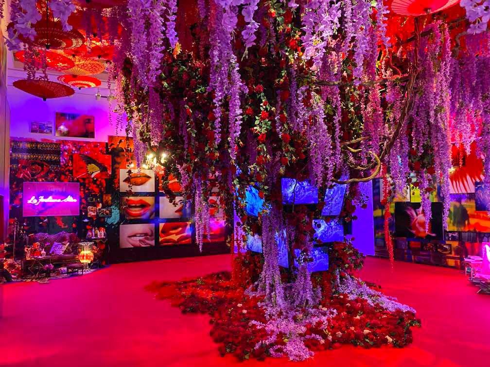 上野の森美術館「蜷川実花展 -虚構と現実の間に-」会場