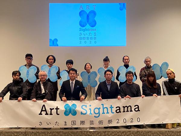 前列左から4人目が、ディレクターの遠山昇司氏