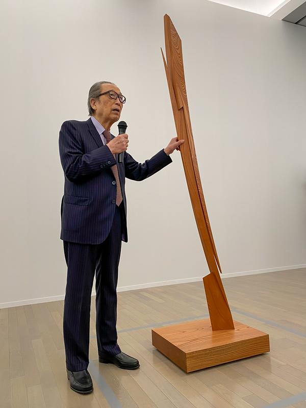 抽象彫刻の第一人者、澄川喜一の大規模展 ── 横浜美術館 ...