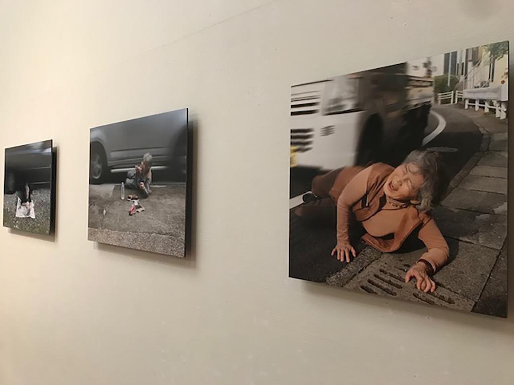 熊本市現代美術館「ライフ 生きることは、表現すること」展示風景より、西本喜美子作品