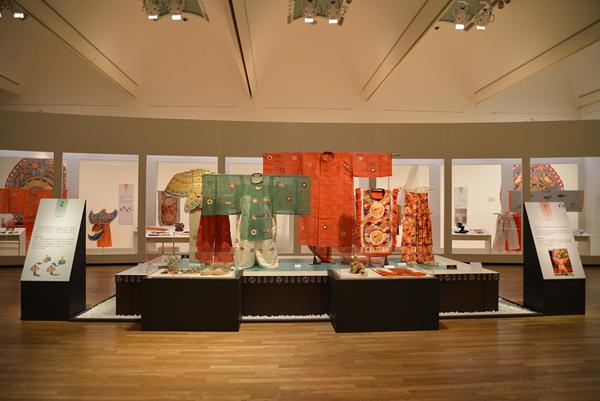東京藝術大学大学美術館「御即位記念特別展 雅楽の美」会場風景