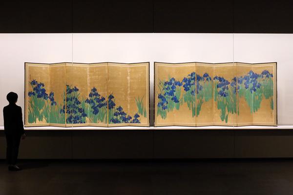 根津美術館「特別展 国宝 燕子花図屏風 歌をまとう絵の系譜」
